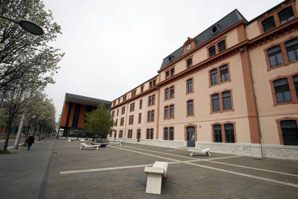 Le campus Saint-Jean d'Angely, à Nice. Les amphis de la faculté de Lettres resteront vide lundi, avec le reconfinement.