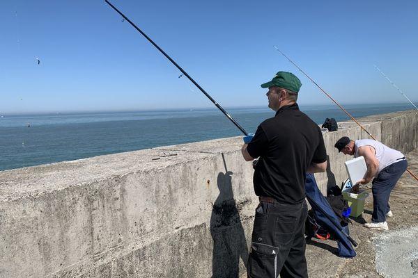 Au Portel, des pêcheurs sont vent debout contre la fermeture de la digue Carnot.