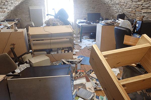 Mende-Balsièges (Lozère) - les locaux de l'association Alepe Lozère saccagés - 9 novembre 2015.