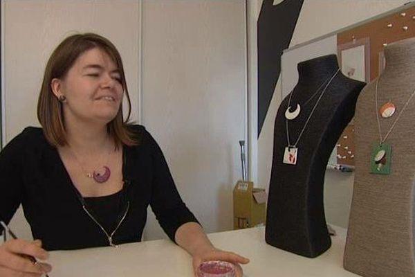 La jeune créatrice dans son atelier de Toul.
