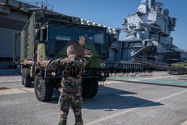Plus d'un tiers des marins du porte-avions français Charles de Gaulle ont été testés positifs au Covid-19. ARCHIVES 2020