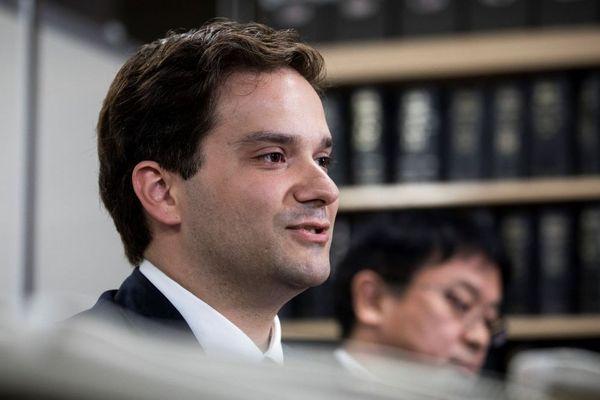 Mark Karpeles est accusé d'abus de confiance découlant de manipulation de données informatiques dans le cadre de la faillite de la plateforme d'échange de bitcoin MtGox.