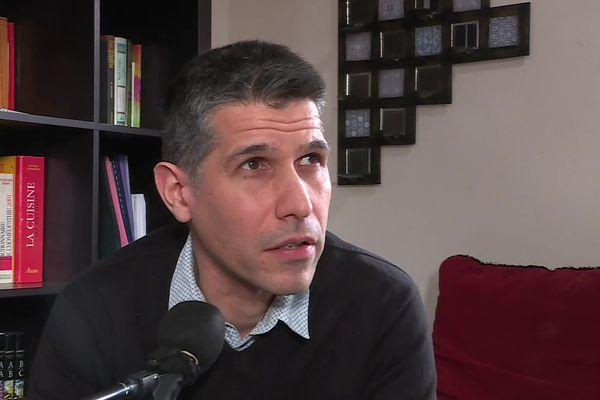 Entre novembre 2016 et mars 2017, l'enseignant a été placé en détention provisoire, à la maison d'arrêt de Dijon.