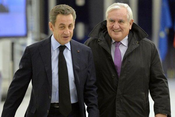 Nicolas Sarkozy et Jean-Pierre Raffarin ce lundi 1er/12/2014 au siège de l'UMP.