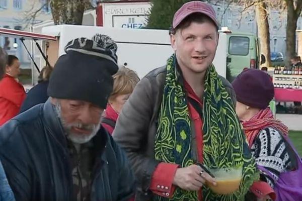 """A Dole, dans le Jura, la soupe solidaire servie aux SDF par l'association """"L'ouvre-porte"""" a été suspendue pendant l'épidémie due au coronavirus"""