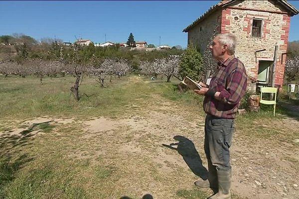 Alain Mas, agriculteur retraité, prédit la météo grâce à la méthode des calendes et note tout dans un petit carnet depuis 40 ans - mars 2019