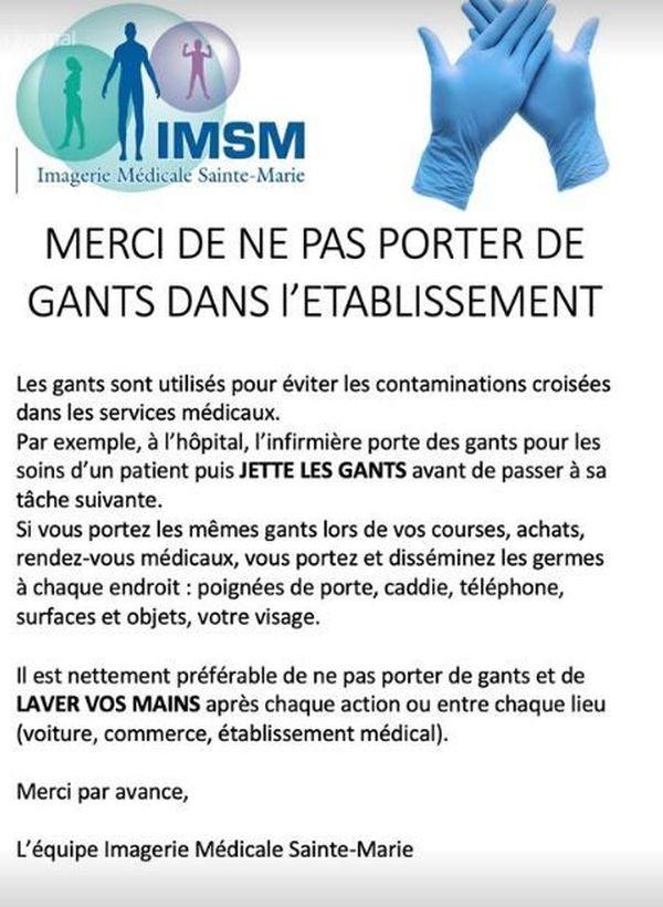 Dans ce cabinet d'imagerie médicale de la région parisienne, on demande aux clients de ne pas venir avec des gants et on explique pourquoi