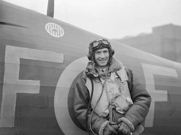 John Kent en octobre 1940, avec le 303 Squadron.