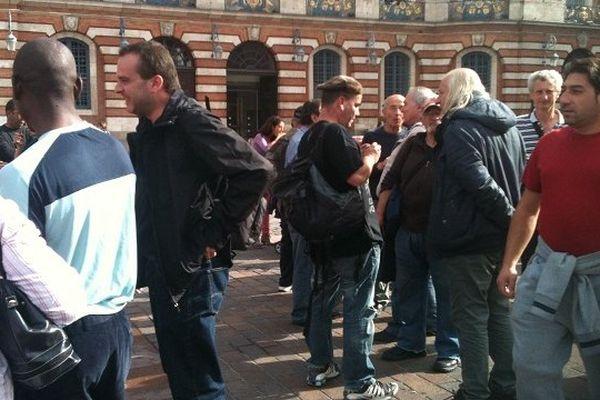 Le rassemblement du DAL, place du Capitole à Toulouse.