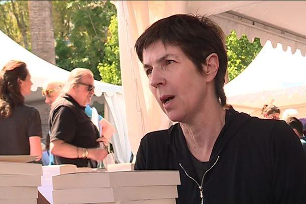 L'écrivaine Christine Angot au Festival du livre de Nice 2019.