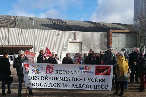 Un rassemblement pour le retrait des réformes des lycées et l'abrogation de Parcoursup a eu lieu à Dijon mercredi 9 janvier 2019