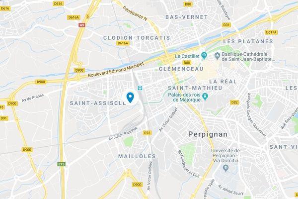 Résidence Les Albères, à Perpignan, un garçon de 10 ans a été atteint par un tir de billes en acier, derrière la tête, heureusement sans gravité.