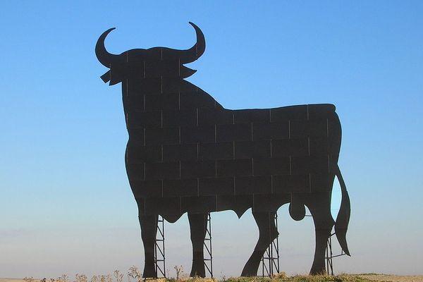 Toro d'Osborne (Cabezas de San Juan)