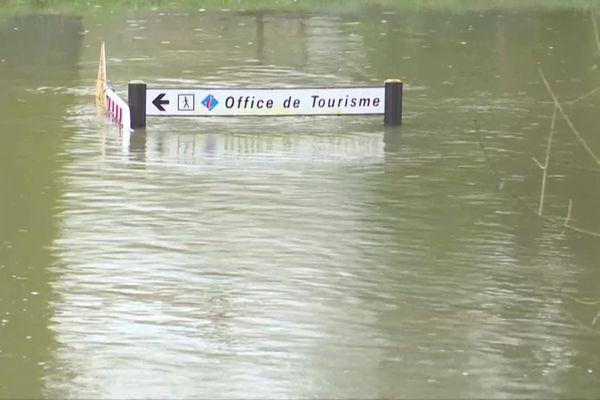 L'eau de la Charente continue de monter à Saintes
