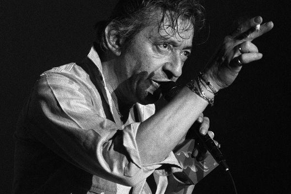 Serge Gainsbourg en concert à Bourges en 1986.