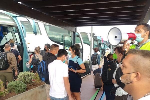Vacanciers et personnels ont eu 45 min pour quitter l'Hôtel Sol de Palma