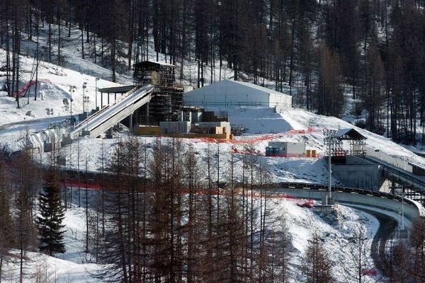 La piste de bobsleigh de San Sicario en Italie