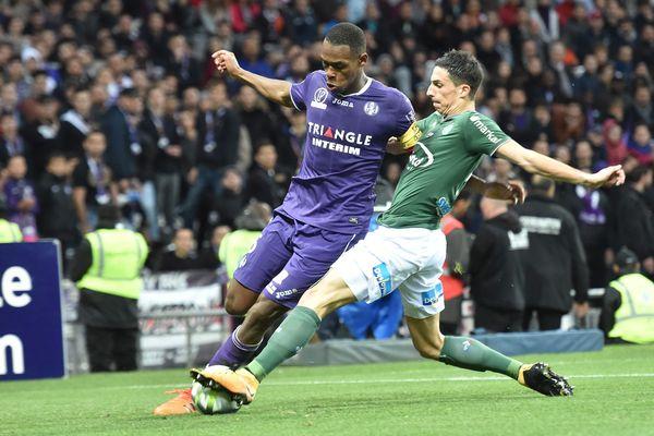 Le TFC perd un de ses grands espoirs : Issa Diop, qui s'est engagé avec le club anglais de West Ham pour 25 millions d'euros, le plus gros transfert de l'histoire des Violets.