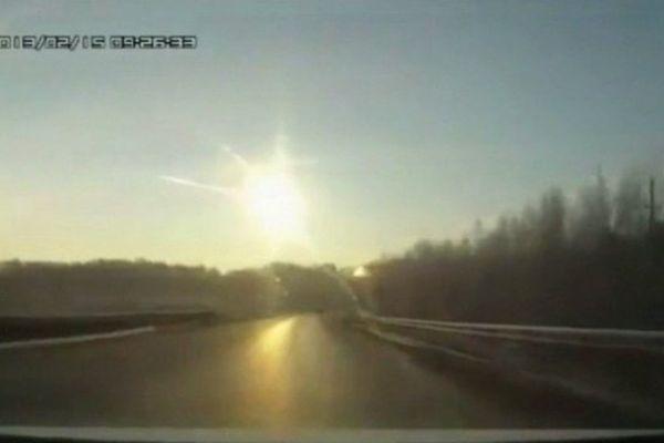 Une météorite s'abat sur la Russie, en février 2013.