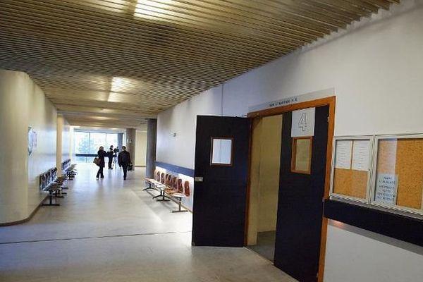 Une salle d'audience du palais de justice de Nanterre, le 02 février 2004