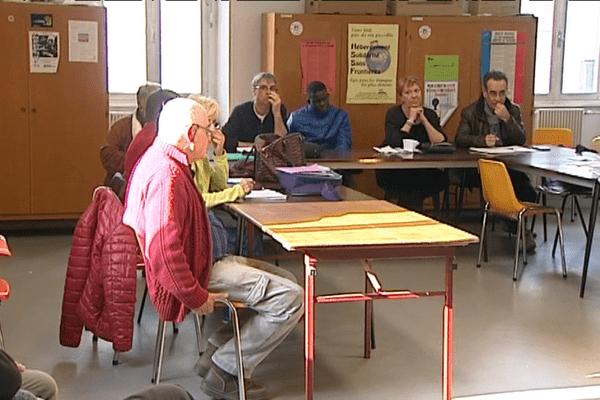 Lors de cette réunion hebdomadaire, la décision rendue par le tribunal administratif de Clermont-Ferrand est le principal sujet de discussion.