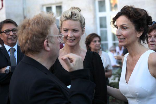 De g. à d. : Dominique Besnehard, Virginie Efira et la ministre de la Culture Audrey Azoulay
