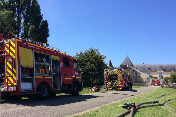 Le feu a pris sur l'aile gauche du château