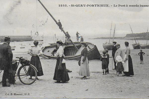 Inspirés par les paysages et la vie des gens sur le port, trois artistes dits d'avant-garde vont poser leur chevalet sur la plage du Portrieux à la fin du XIXe siècle : Eugène Boudin, Paul Signac et Berthe Morisot.