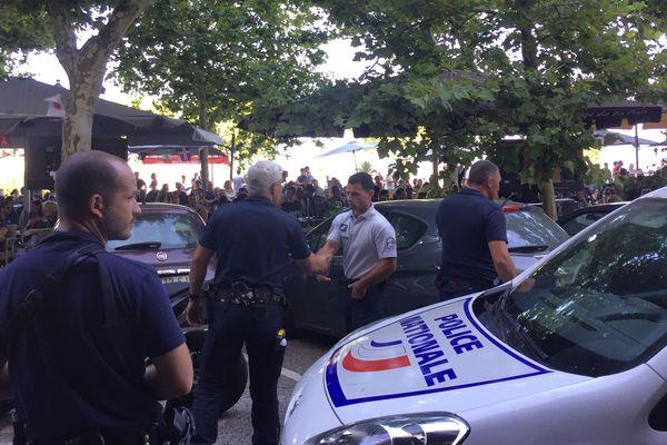 La police intervient suite à des incidents à répétition sur la Place Saint Nicolas à Bastia lors de la finale de la coupe du monde, France-Croatie.
