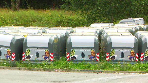 800 réservoirs à déchets inutiles, si la collecte en porte-à-porte peut être maintenue