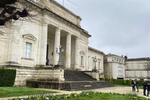 Le palais de justice de Saintes