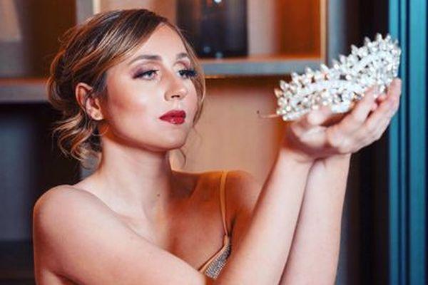 Marie-Victoire Schwerdel a été élue miss Elégance 2020 le 13 décembre dernier après avoir été castée sur les réseaux sociaux