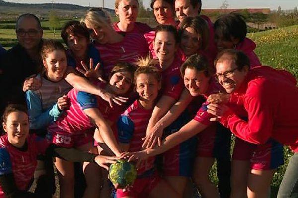 L'équipe féminine de handball de Meursault avant sa première finale de Coupe de France à Paris Bercy le 21 mai prochain