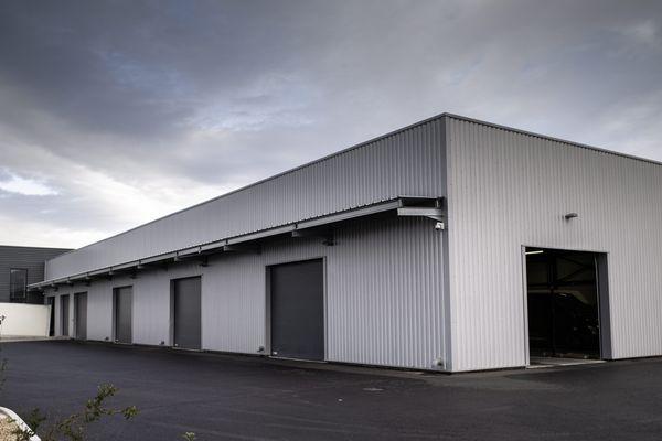 A Perpignan, dans les Pyrénées-Orientales, le dépôt de B2S, sous-traitant d'Amazon est fermé.
