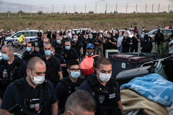 Toulouse : le DAL alerte sur l'expulsion de 300 personnes d'un squat de Blagnac - 16 juin 2021.