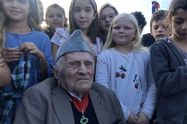 Deux classes de primaire de Patrimonio ont participé à la cérémonie.