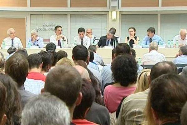 Session extraordinaire au Conseil Général du Cantal à propos de la réforme territoriale