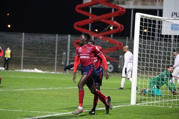 Le Clermont Foot l'emporte par 5 à 0 face à Dunkerque