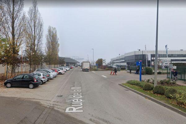 Un coursier à vélo est mort percuté par une voiture, 6 rue de la Minoterie, à Strasbourg, le 28 septembre 2021.