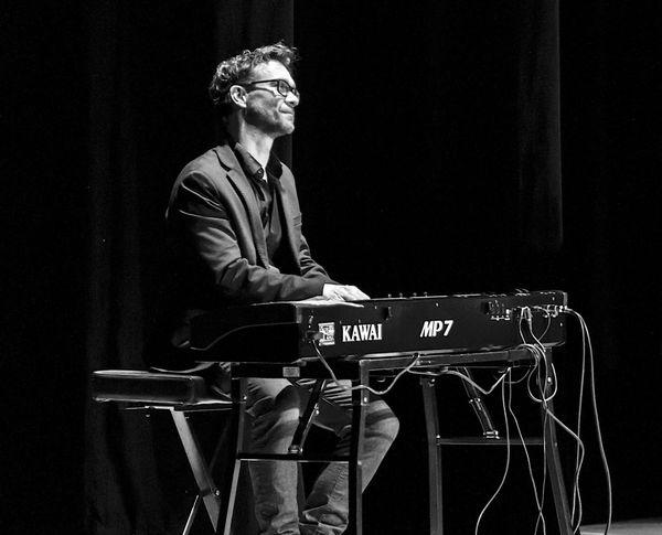 """""""Ce n'est pas un régime privilégié, bien au contraire"""" dit Emmanuel, pianiste rennais"""