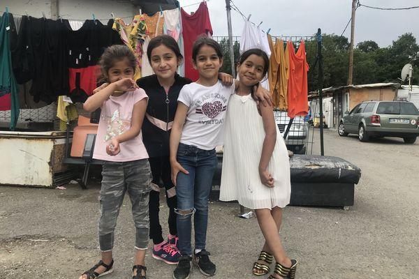 Des enfants roms sur le camp de la Flambère à Toulouse - juin 2021.