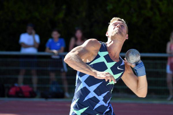Montpellier - Kevin Mayer au poids - 16 juillet 2020.