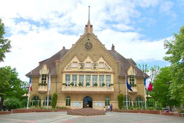 La course à la mairie de Tergnier oppose trois candidats au second tour.