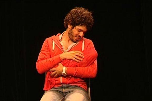 Rudy MILSTEIN, est un jeune auteur-comédien révélé par l'Atelier Pierre PALMADE.
