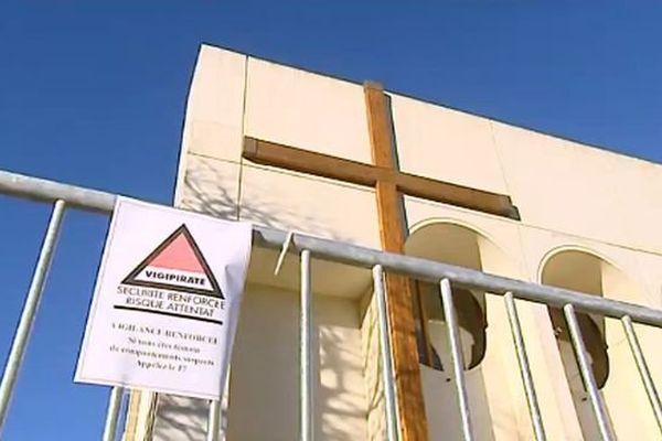 Sécurité renforcée autour de la paroisse Sainte-Bernadette à Montpellier avant les messes de Noël - 23 décembre 2016
