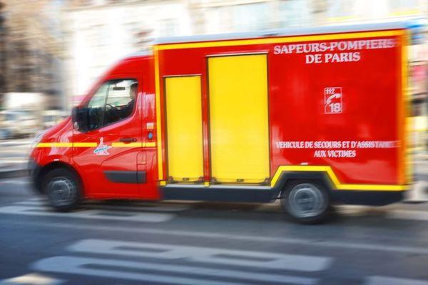 Un immeuble situé rue de la Forge-Royale, à deux pas de la rue du Faubourg-Saint-Antoine à Paris, a été partiellement détruit par les flammes, jeudi.