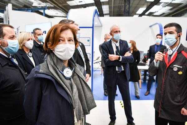 La ministre des Armées, Florence Parly en visite chez le missilier MBDA à Bourges dans le Cher, vendredi 13 novembre 2020