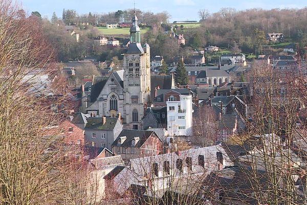 Bernay se trouve à 1 heure et demie de Paris, au centre de la Grande Normandie