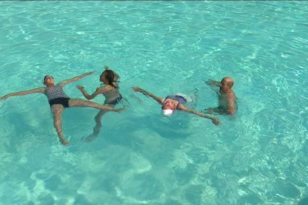 Pendant trois jours, le CROSIF organisait des activités pour apprendre aux enfants à mieux nager.