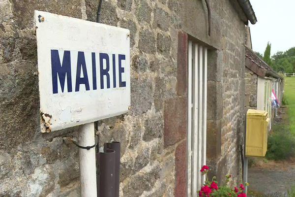 Le champ de la pierre, le village où 96% des habitants ont voté